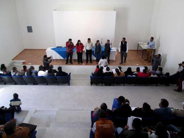 Entregan más de una centenar de escrituras públicas en Tetlanohcan