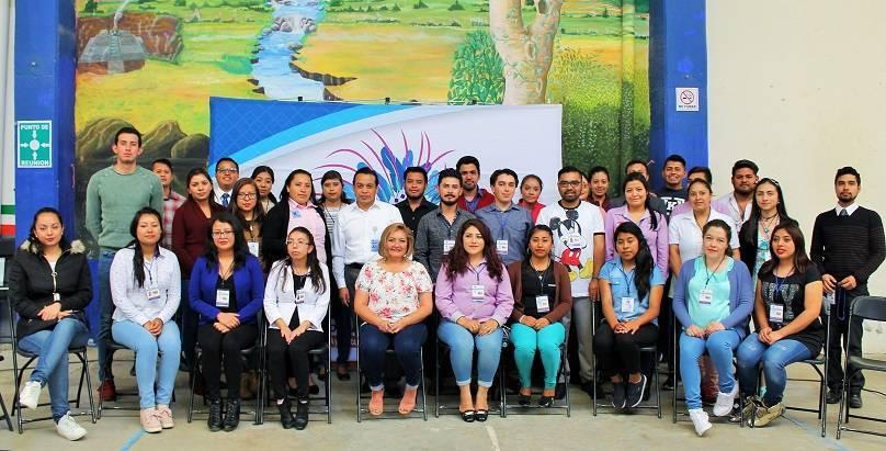 Ayuntamiento entrega credenciales a Jóvenes Construyendo el Futuro