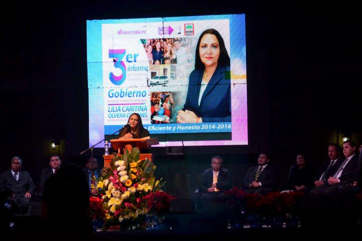 Lilia Olvera rindió Tercer Informe de compromisos cumplidos