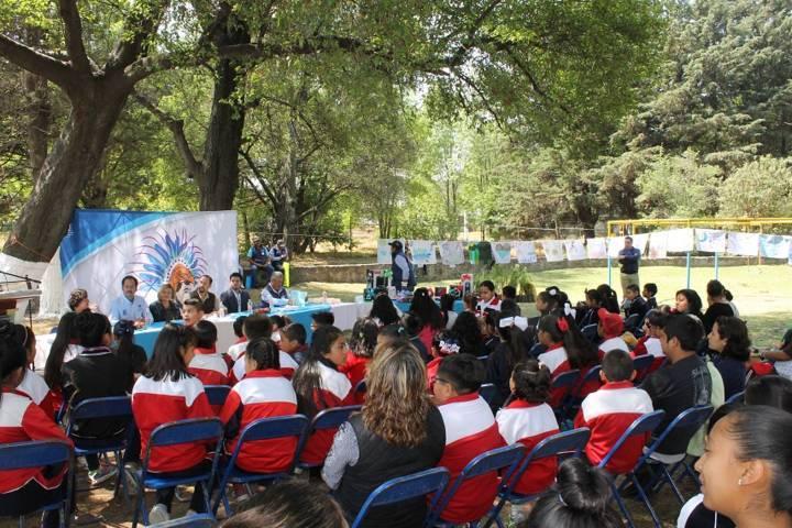 Autoridades municipales con memoran Día Mundial del Agua