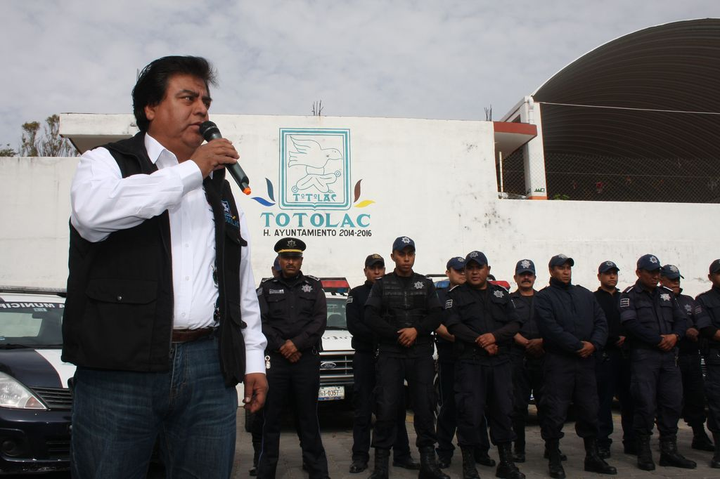 Con aumento de salario y entrega de quipo celebra Totolac el día del policía