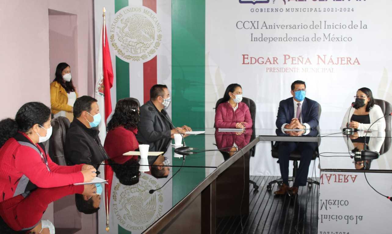 Alcalde y Cossies firman convenio para apoyar estudiantes en su servicio social