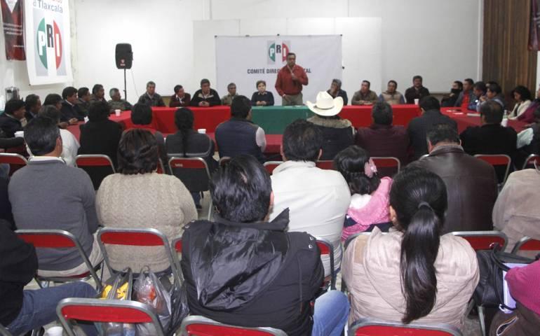 Dialoga CDE del PRI con presidentes de comités y delegados municipales