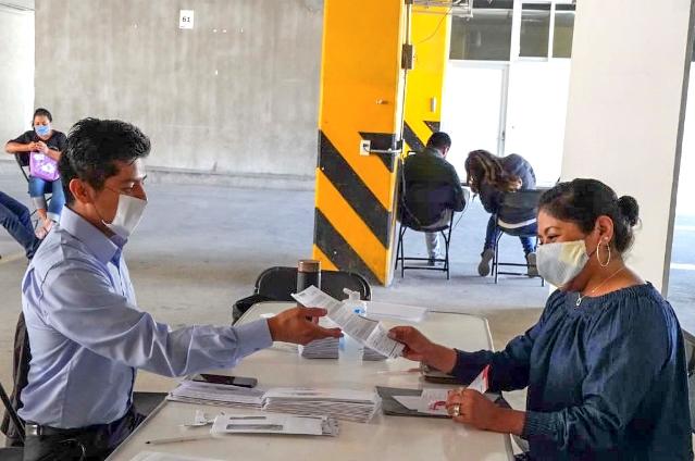 Pagan a tiempo a maestros y trabajadores de la educación en Tlaxcala