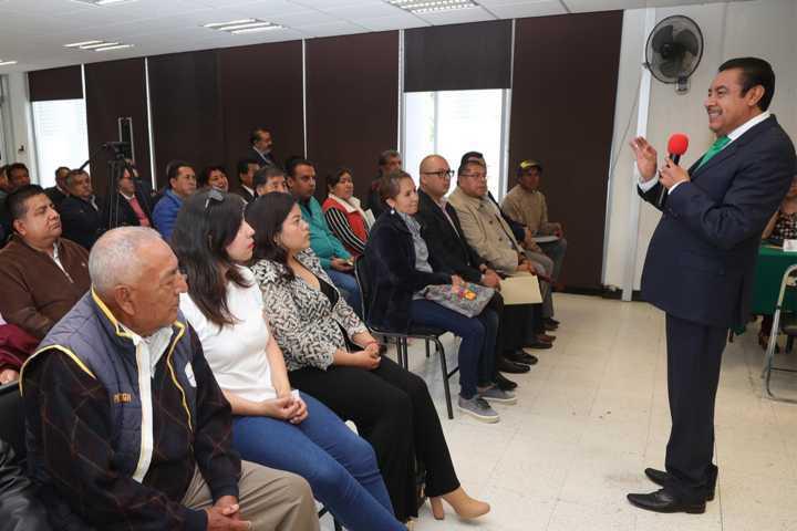 Participan maestros y padres de familia en audiencias públicas del secretario de educación