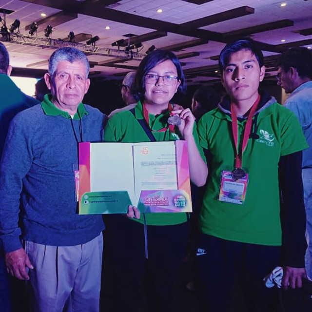 Estudiantes de Cecyte competirán en torneos científicos en Rumania y Brasil