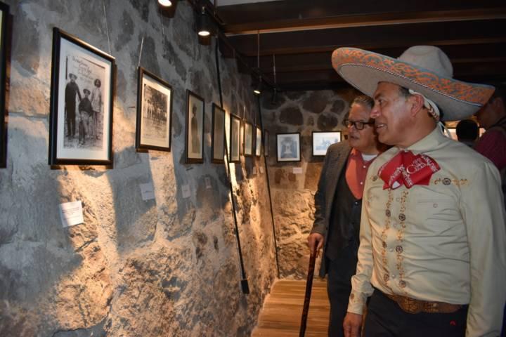 """Alcalde inaugura galería de arte """"Domingo Arenas"""""""
