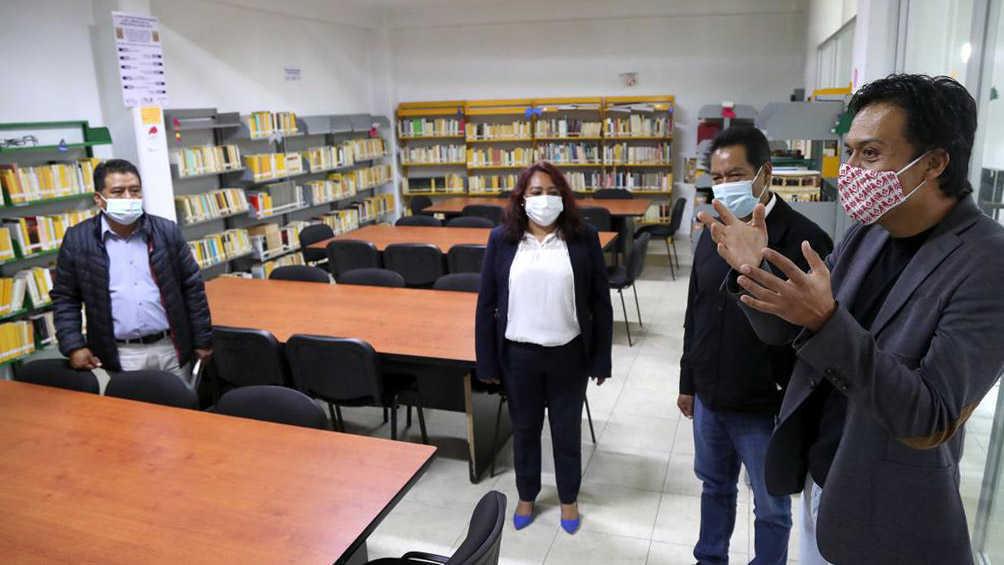 Recibe Tlaxcala libros en lenguas originarias para bibliotecas de la entidad