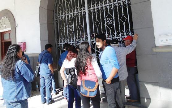 Con puertas cerradas inició Tomas Orea gobierno municipal en Zacatelco