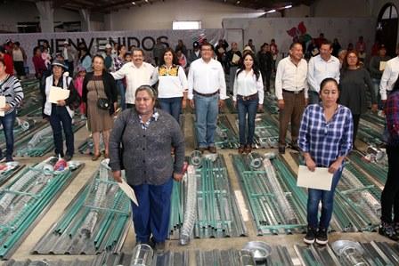 Sefoa entrega 232 paquetes productivos a mujeres del campo