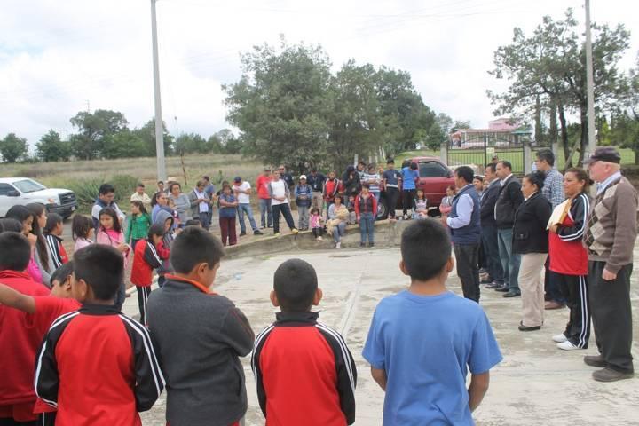 Alcalde mejora la vialidad de la Zahuapan de Atencingo con adoquín