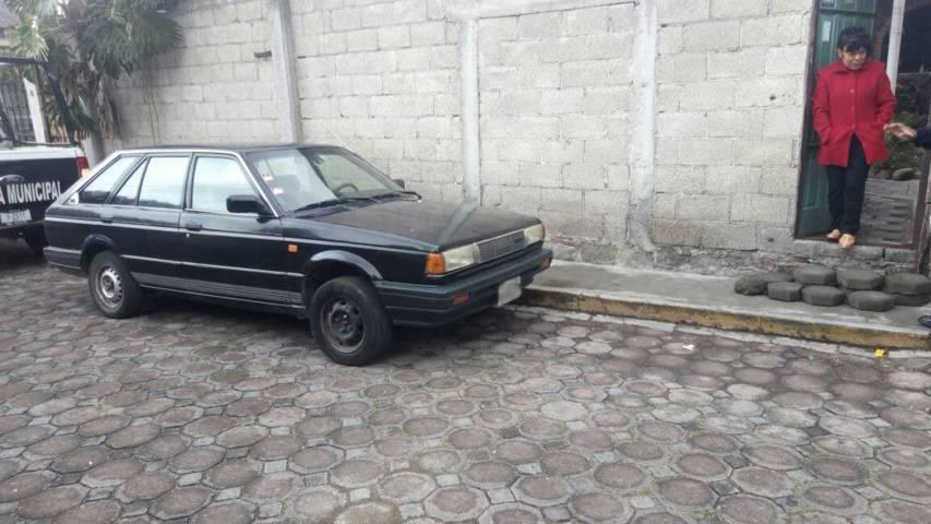 Policías municipales recuperan vehículo con reporte de robo
