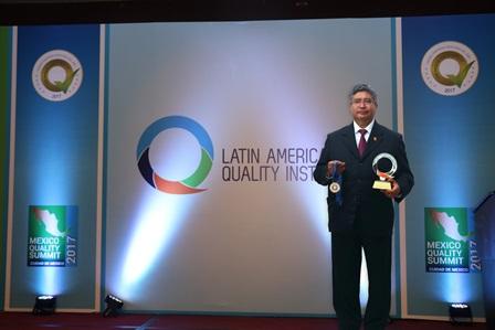 Recibe UAT galardón del Latin American Quality Institute
