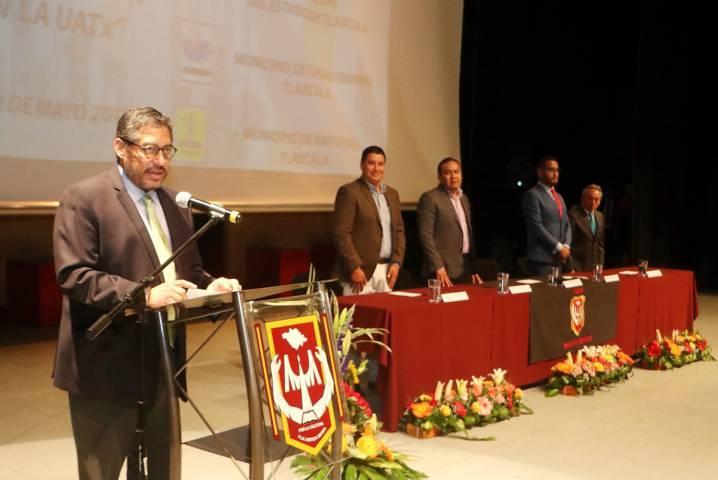 Recibirán Secoduvi y ayuntamientos de Nativitas y Chiautempan a estudiantes de la UATx