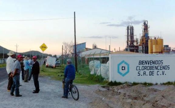 Pobladores en alerta por explosión en Clorobencenos