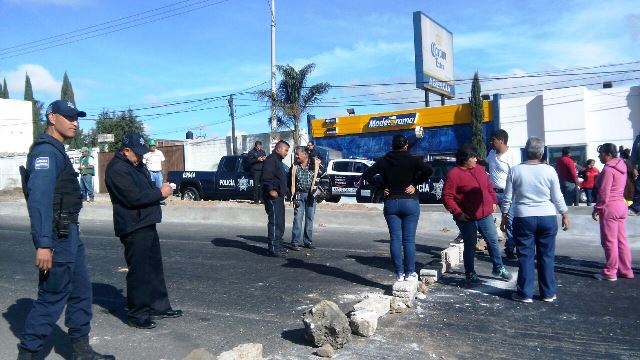 Cierran carretera México-Veracruz a la altura de Calpulalpan