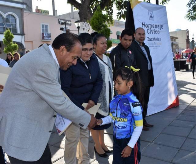 """TOA fomenta el deporte reconociendo a ciclistas de """"Cometas Kid´s"""""""