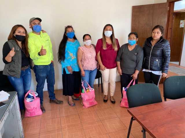 Smdif de Tepetitla de Lardizábal entrega despensas a familias