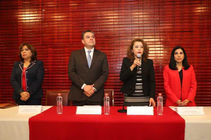 Sigue participando la UATx en el análisis de la Ley para la protección de las mujeres