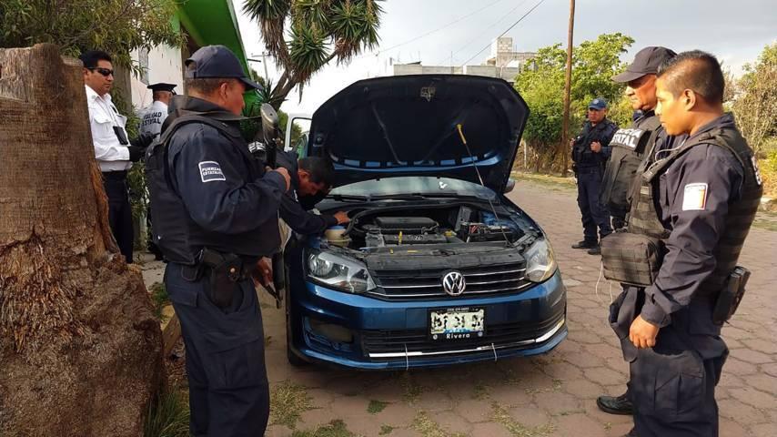 Detienen a policías pirata en Acuamanala
