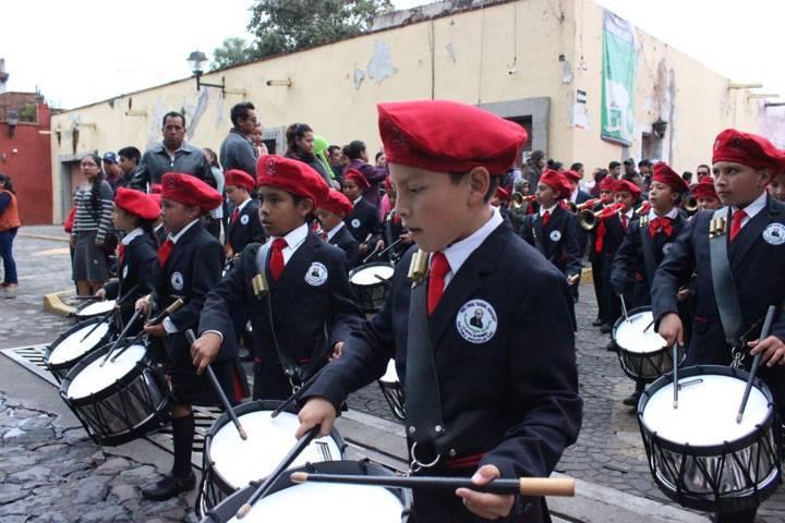 Realizan en Apetatitlán desfile cívico del CCVIII Aniversario de Nuestra Independencia