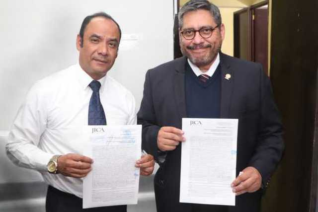 Pacta la UATx incremento salarial de 3.35 % y 1% a prestaciones con el STEIESET