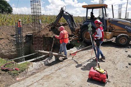 Secoduvi inicia construcción de puente peatonal de la UPTREP