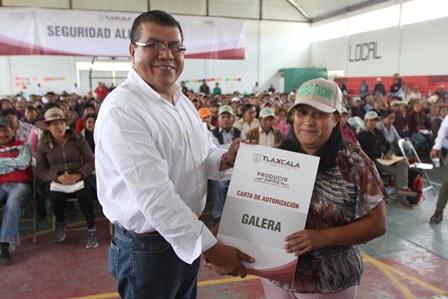 Reparte Sefoa 7 millones de pesos del PESA a familias de Huamantla
