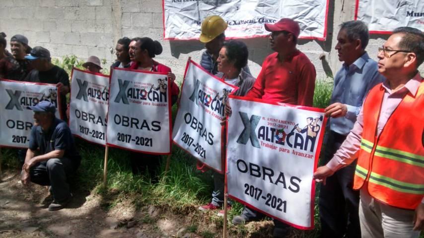 Alcalde acerca los servicios básicos a la calle Ochipanco de Topilco