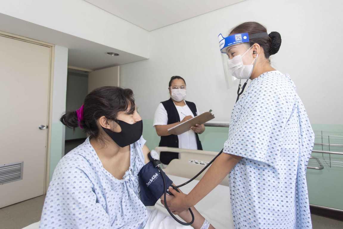 Reconoce SESA trabajo de mujeres del sector salud
