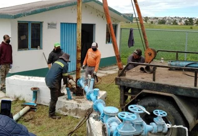 Agilizan trabajos para reestablecer el servicio de agua potable en Tecopilco