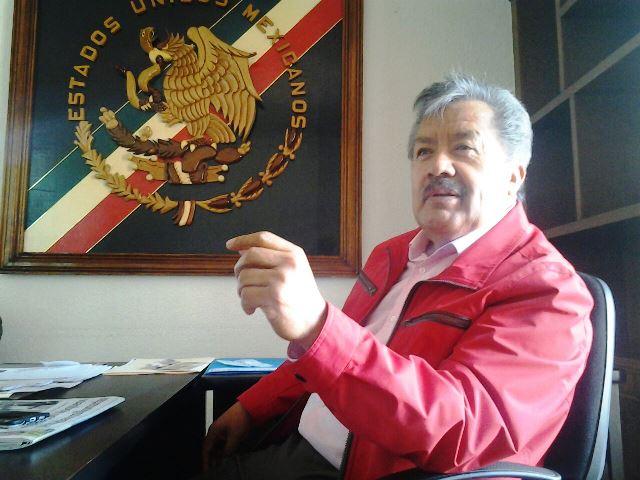 Ex alcalde de Ixtacuixtla se fue con recursos por la venta de automóviles chatarra