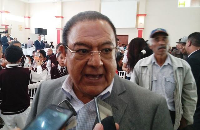 """""""No le espanta"""" a Flores Leal asignación discrecional de plazas"""