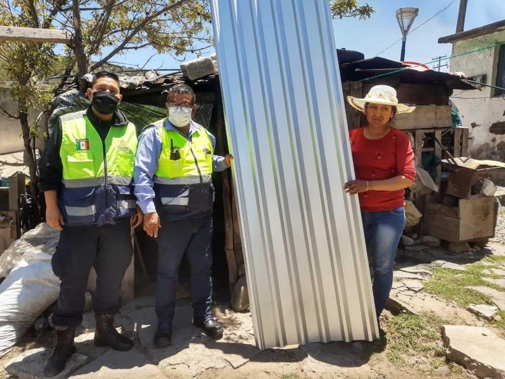 Entrega CEPC insumos a familias de Emiliano Zapata afectadas por lluvias