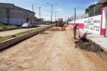 Realiza Secoduvi pavimentación de calles en Panotla y Tetla