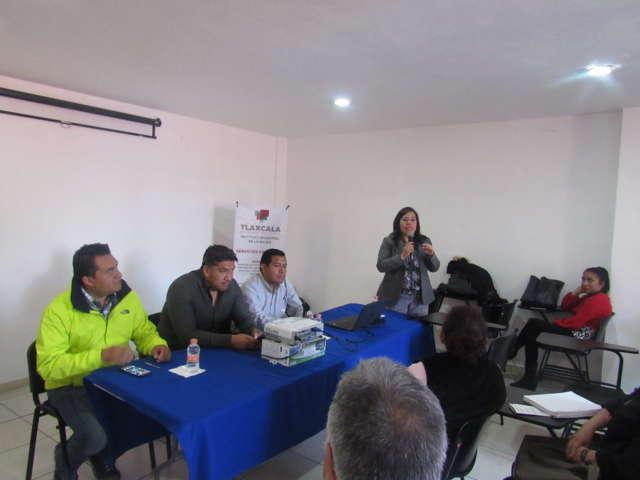 """En ponencia """"31-111 Misión Cumplida"""" piden a policías reforzar apoyo hacia las mujeres"""