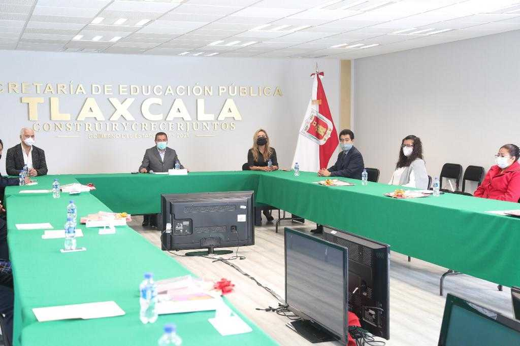Premian a ganadores del Concurso De Expresión Literaria Tlaxcala 2020