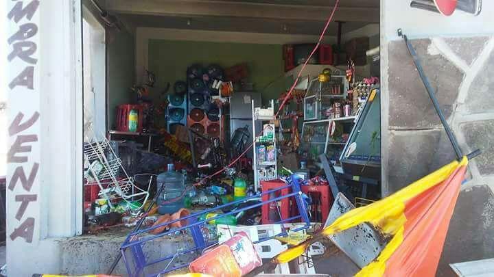 Explota una tienda de abarrotes; solo hubo pérdidas en mercancía