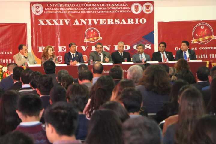Cumple Ciencias Políticas y Administración Pública XXXlV años de actividad académica