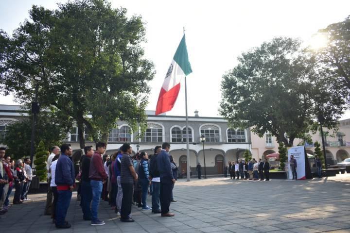 Alcalde encabeza homenaje cívico de la conmemoración del 5 de mayo