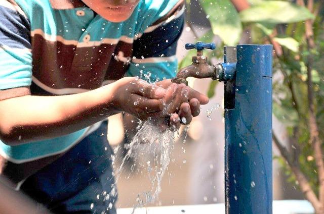 Durante la emergencia sanitaria no habrá corte de servicio de agua: Rivera Mora