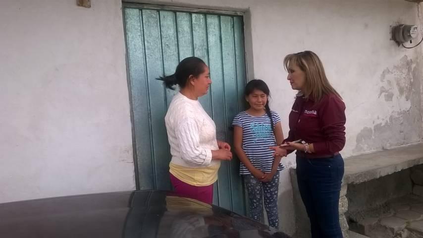 Reconocen ciudadanos a Lorena Cuéllar por regresar a las comunidades