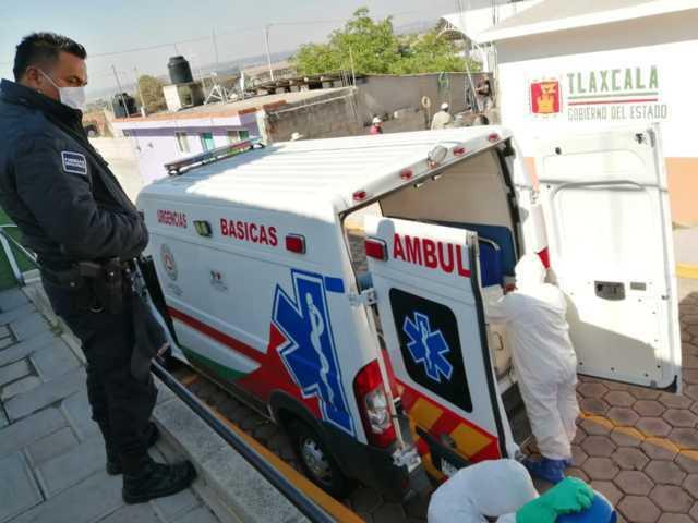 Realizan acciones de sanitización en la alcaldía de Atlangatepec
