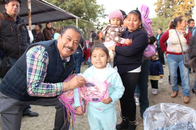 Redobla esfuerzos Francisco Román para lograr proyectos productivos