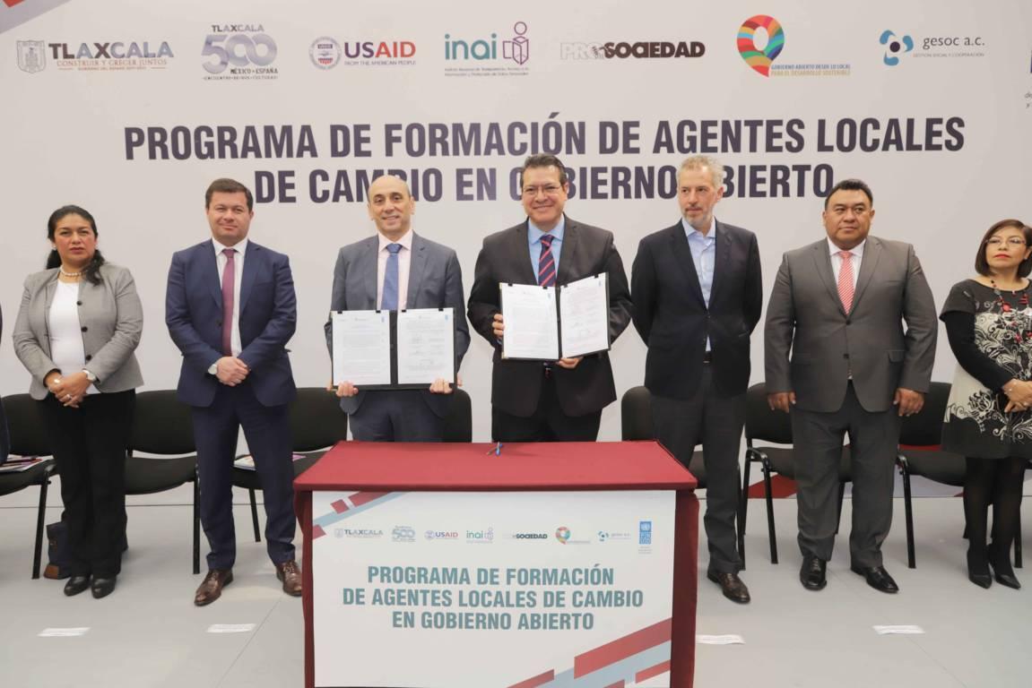 Marco Mena refrenda trabajo coordinado con PNUD para reducir pobreza extrema