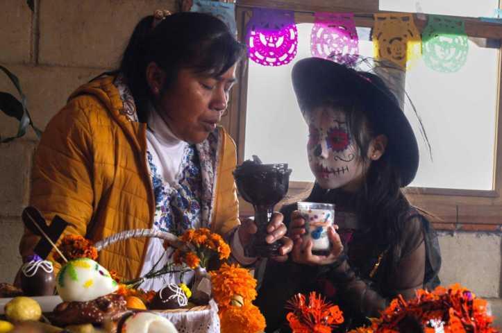 Conmemora la Escuela Maxixcatzin el Día de Muertos