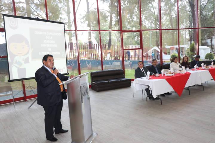 Actualiza UAT a docentes de la Academia de Autorrealización