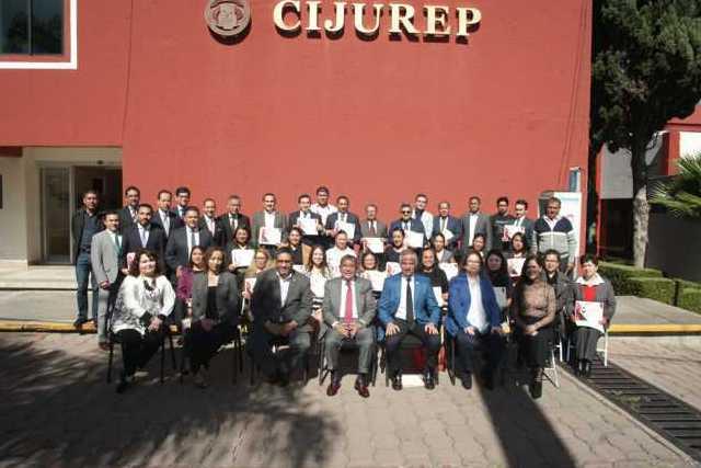 Egresa UATx 65 especialistas en ciencia jurídica