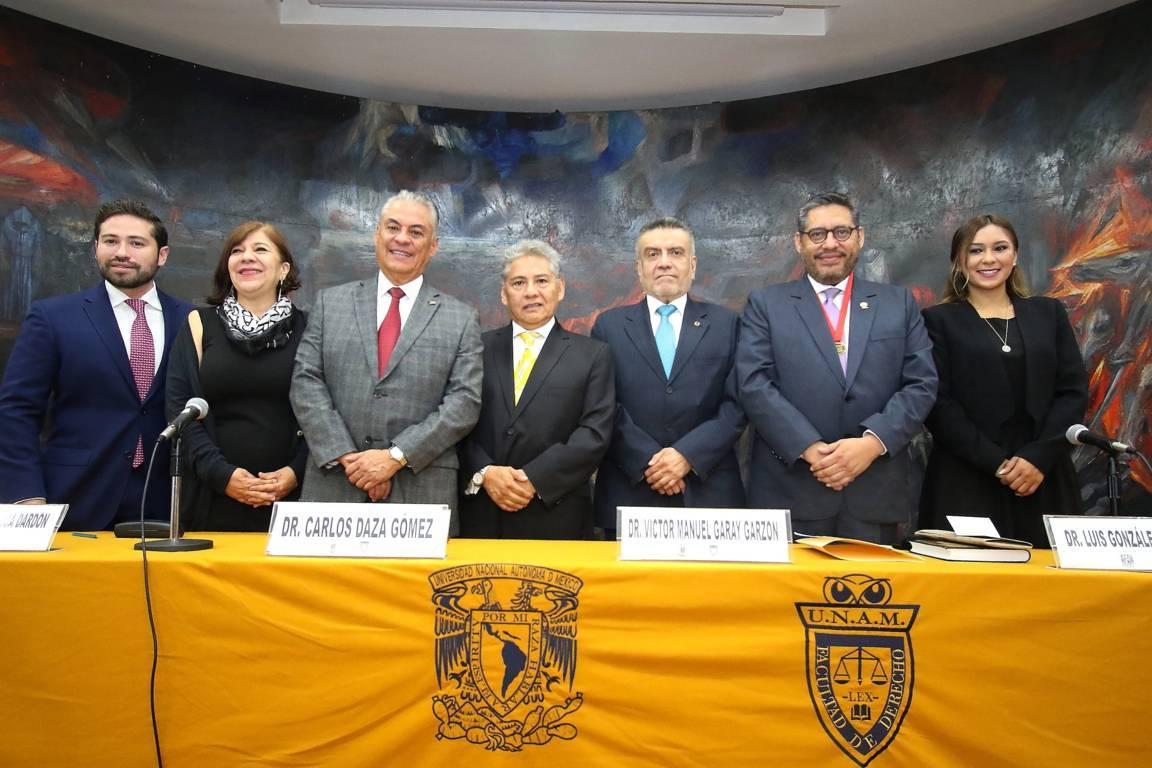 Reconoce Facultad de Derecho de la UNAM a Rector de la UATx