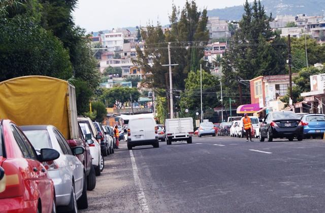 Particulares cobran por estacionarse en calles céntricas de la capital